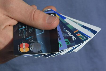 Personal Finance 101: Credit Cards Basics – Friends or Foes